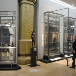 Vitrines monumentales issues du Mobilier National Musée d'Orsay